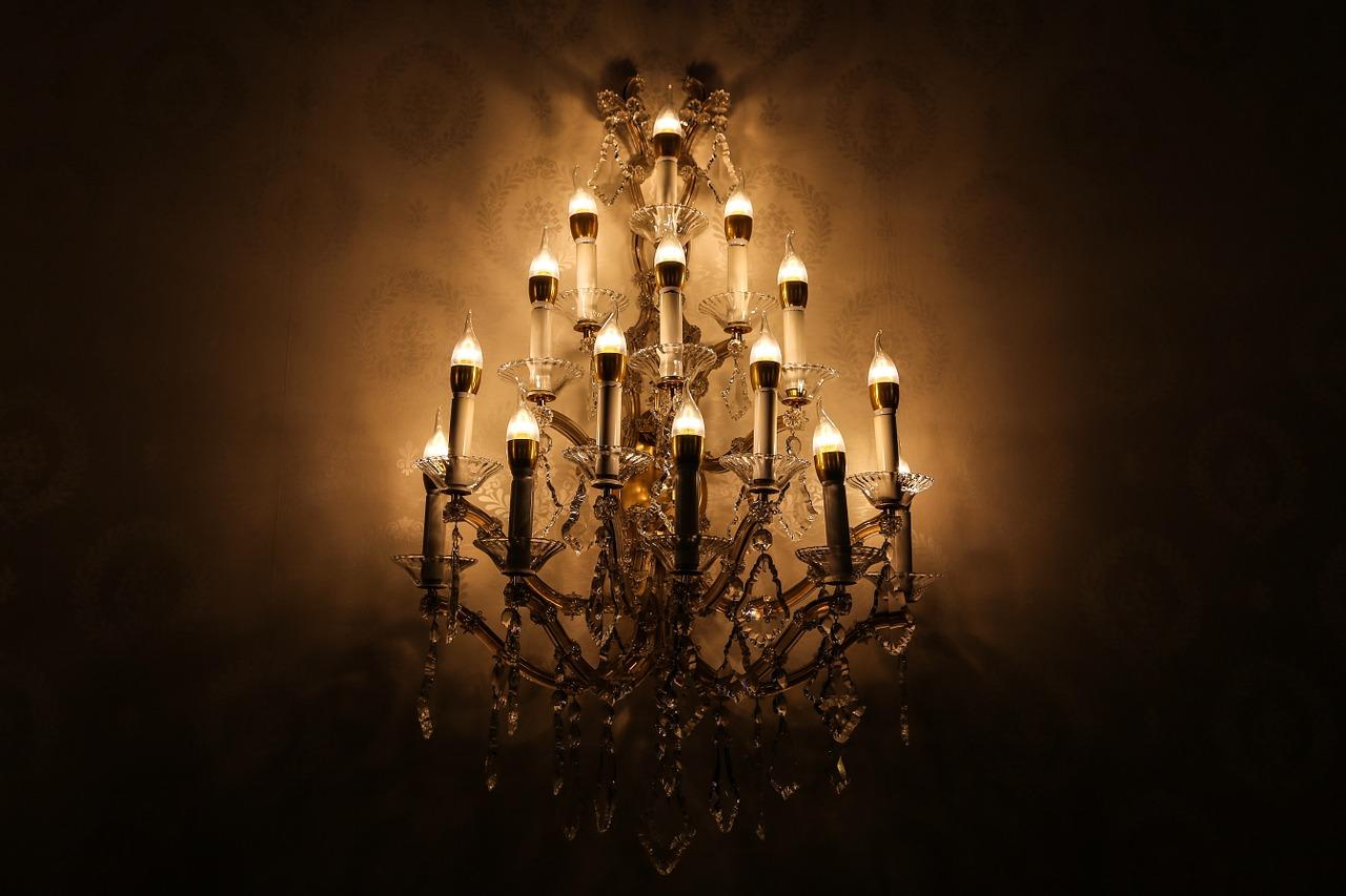 Die Leuchtmittel bilden das Tüpfelchen auf dem i der luxuriösen Kronleuchter